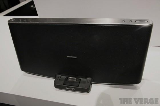 Sony - stacje dokujące dla iPada