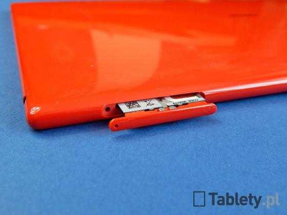 Nokia Lumia 2520 16