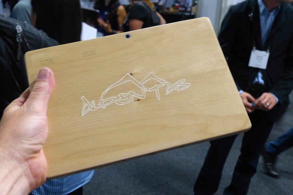 Tablet z drewna - AlpenTab