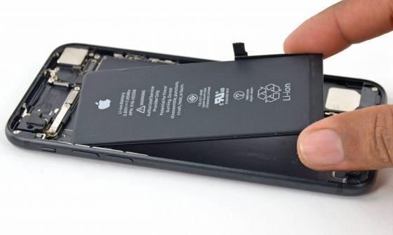 iFixit tańsza wymiana baterii iPhone
