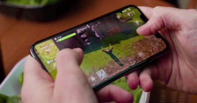 Fortnite teraz ze wsparciem dla kompatybilnych smartfonów Essential, Sony, HTC i Motorola