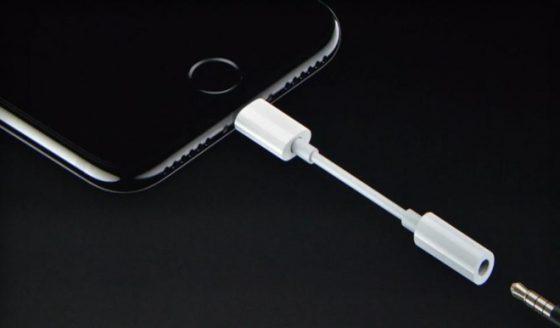 Apple iPhone 2018 iPhone X Plus adapter minijack przejściówka kiedy premiera