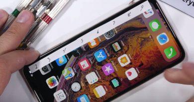 iPhone Xs Max na torturach u Zacka z JerryRigEverything. Konstrukcja jest mocna