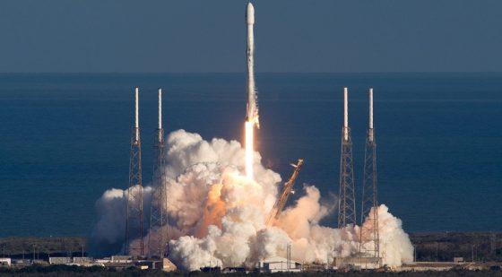 SpaceX Falcon 9 Block 5 rakieta nośna kosmos BFR Elon Musk