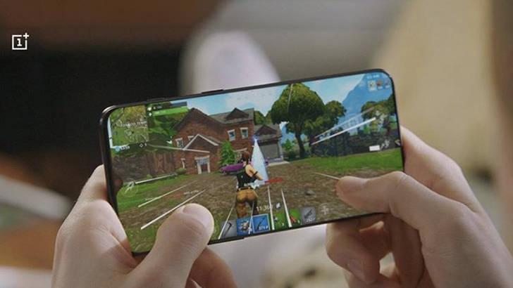 OnePlus 6T reklama wąskie ramki ekran oszustwo