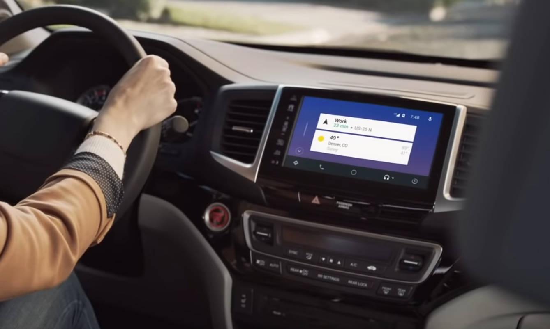 nowe Android Auto Google aktualizacja szerokie ekrany Samsung Music Skype