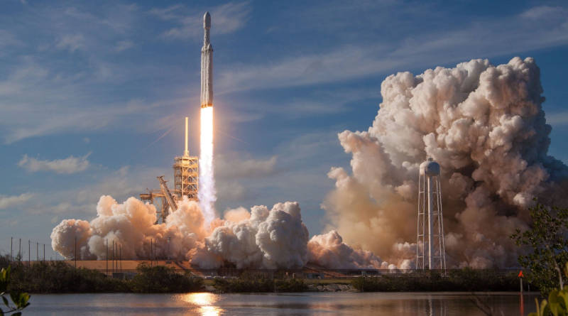 Falcon Heavy SpaceX kiedy drugi start misja Arabsat-6A kosmos