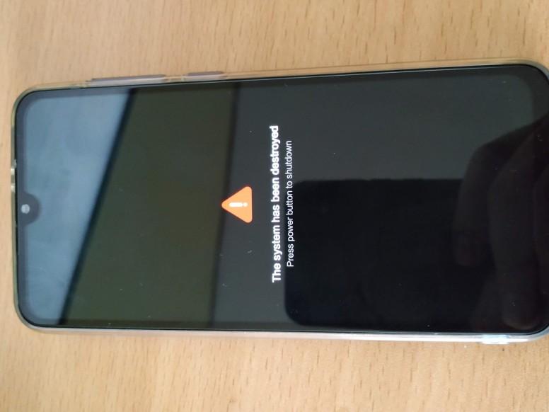 Xiaomi Mi 9 SE aktualizacja OTA MIUI 10.3.1.0 problemy zniszczony system