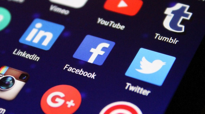 Facebook na Androida nowy pasek nawigacji