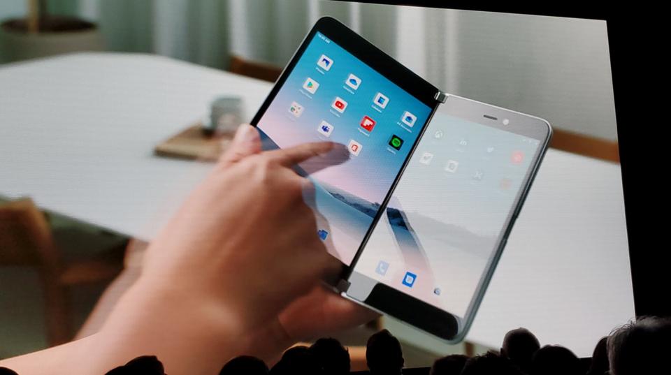 składany smartfon Microsoft Surface Duo aktualizacja Android 11 specyfikacja dane techniczne kiedy premiera