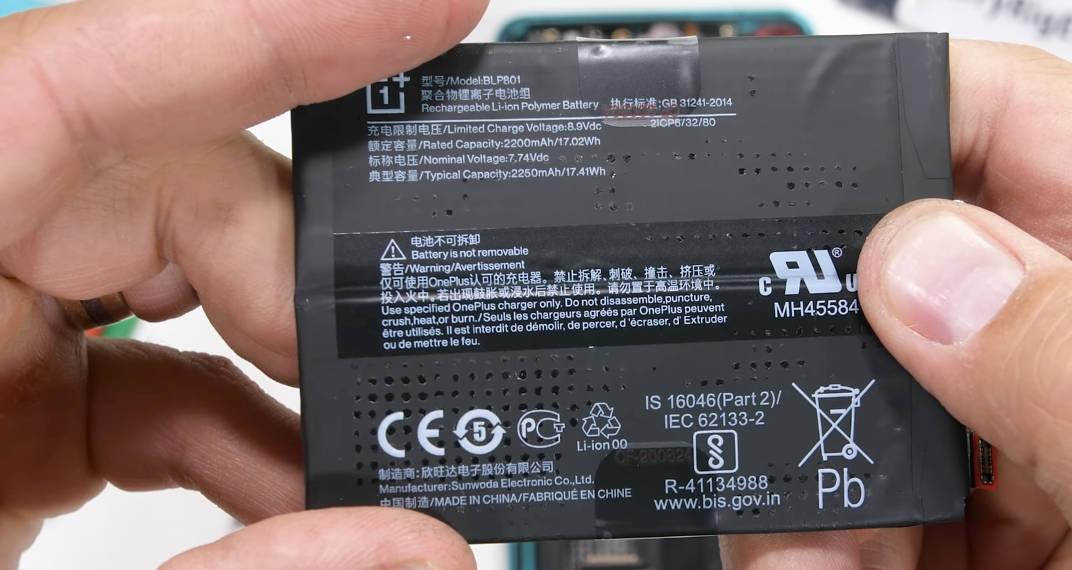 OnePlus 8T jaka bateria rozbiórka wideo