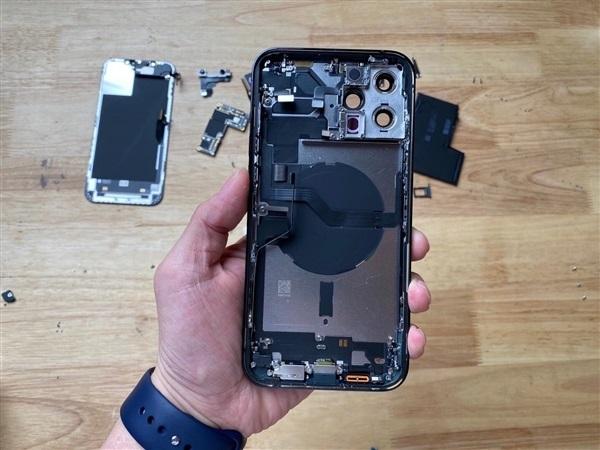 premiera Apple iPhone 12 Pro Max opinie rozbiórka co w środku